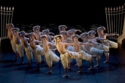 Review: Matthew Bourne's Swan Lake @ King's TheatreGlasgow