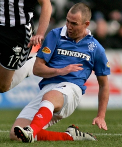 Kenny_Miller_-_tackle